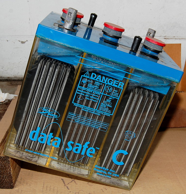 Installation & Orientation of Flooded Batteries on Boats – Marine How To